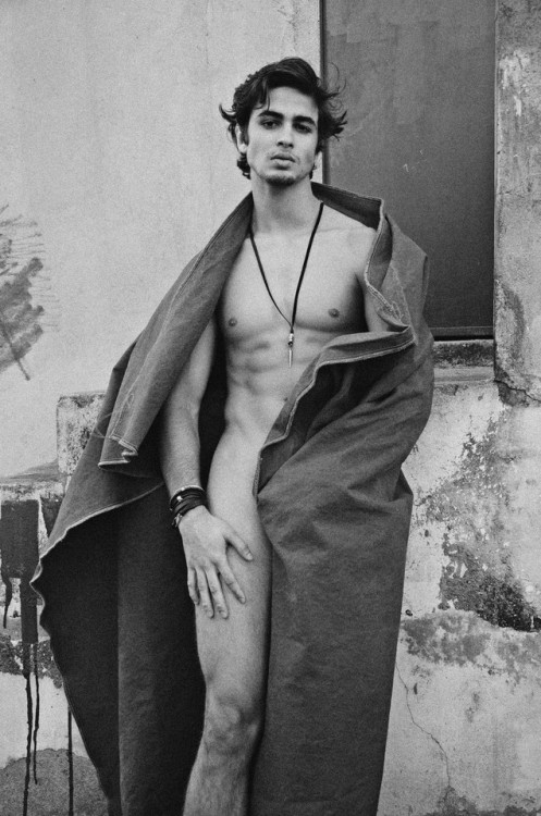 "<a href=http://lovingmalemodels.tumblr.com/post/164048000065 class=""colorbox"">Gabriel Galindo by Felipe Pilotto</a>"