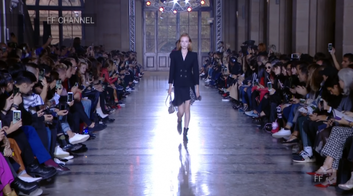 Givenchy, Hommes / Femmes Printemps – Été 2018, Les débuts de Clare Wraight Keller