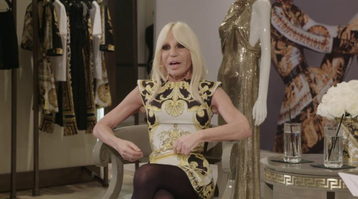 "<span lang =""en"">Donatella Versace and Eva Chen at Saks Fifth Avenue</span>"
