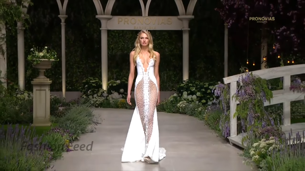 Screenshotter PronoviasBridal2019BarcelonaBridalFashionWeek2018 0'56""