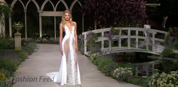 """""""In Bloom"""" The Sexy Pronovias Bridal Collection 2019"""