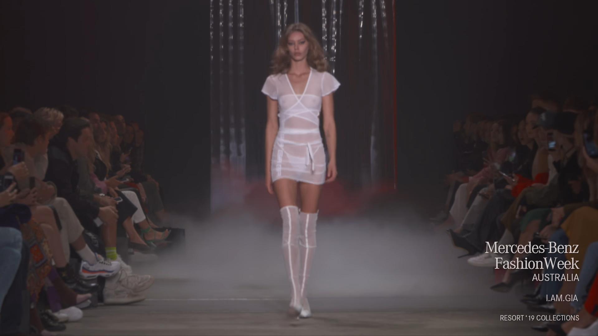 ICH BIN. GIA Runway Debut bei Mercedes Benz Fashion Week in Australien