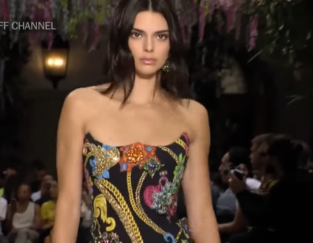 Versace Primavera Estate 2019. Milano Uomo