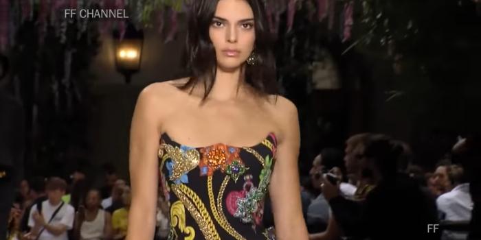"""<span lang =""""en"""">Versace Spring Summer 2019. Milan Menswear</span>"""