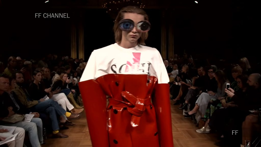 Screenshotter SwedishSchoolofTextilesSpringSummer2019Exclusive 0'10""