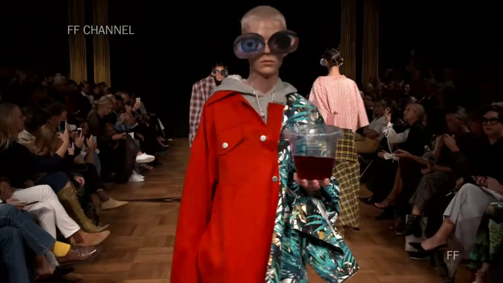 Screenshotter SwedishSchoolofTextilesSpringSummer2019Exclusive 0'25""