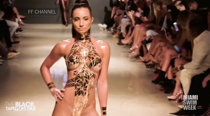 "<span lang =""en"">Le projet de Black Tape à la New York Fashion Week</envergure>"