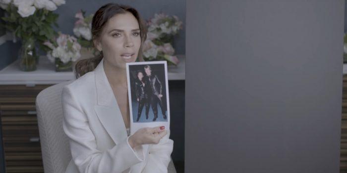 """<span lang =""""en"""">plaisante Victoria Beckham à propos de ses tenues Spice Girls</envergure>"""