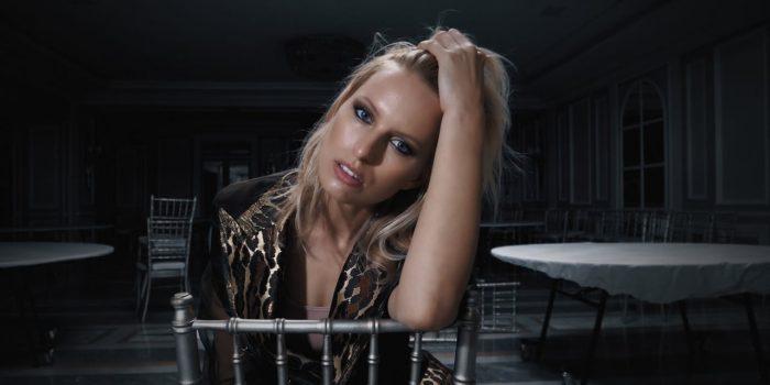 Karolina Kurkova for Woman.es