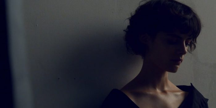 Willow Williams & Sihana – 'Das Zimmer'